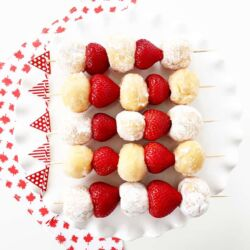 Canada-Day-Party-5-Minute-Dessert-Kebabs